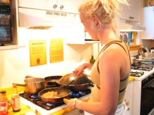 kitchen-girl-cooking